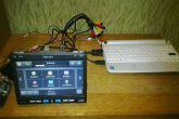 сломанный нетбук и сенсорный монитор