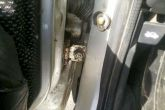 нижняя петля двери ваз 2110