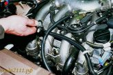Проверить уровень моторного масла с помощью щупа