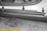 Закрутить 3 винта крепления накладки в проеме двери