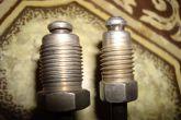 Слева трубка Прировская 12х1.0, а справа