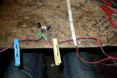 Подаем слева на вход питание, справа выход к LED-ленте