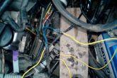 Подсоединяем провода идущие к распределителю впрыска газа