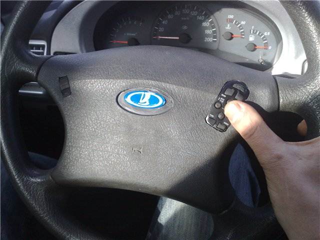 Как можно на ниву шевроле сделать кнопки на руль дя управления музыкой