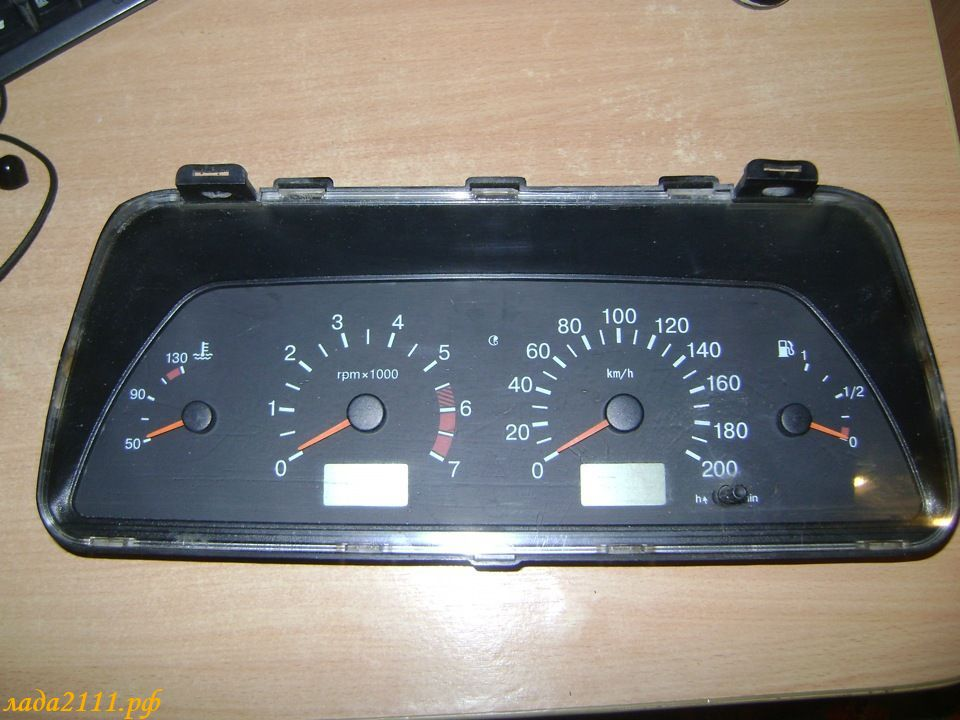 Фото №27 - панель приборов на ВАЗ 2110