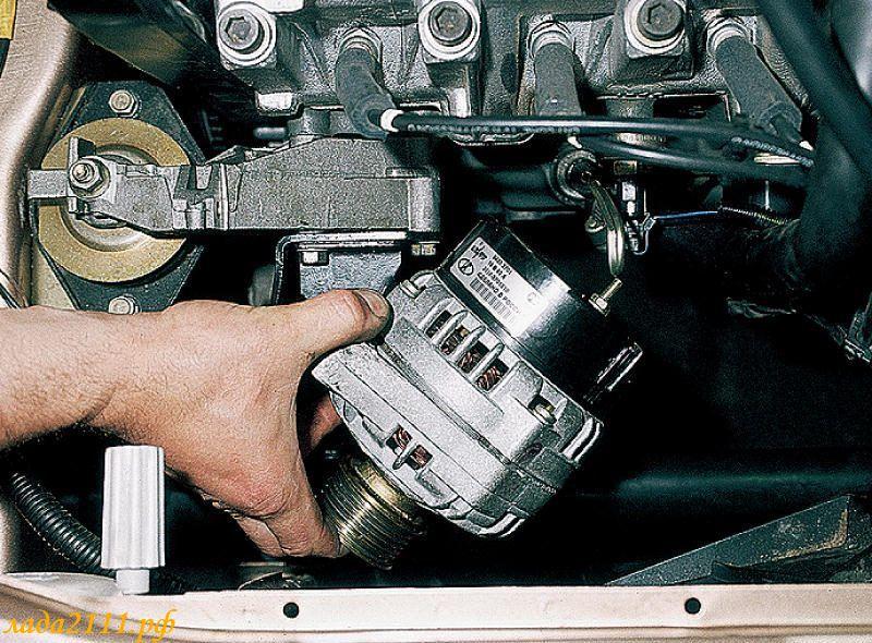 Фото №8 - как заменить реле регулятора напряжения на генераторе ВАЗ 2110