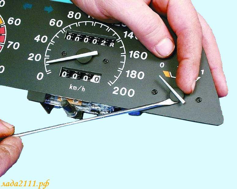 Фото №6 - ВАЗ 2110 неправильно показывает уровень топлива
