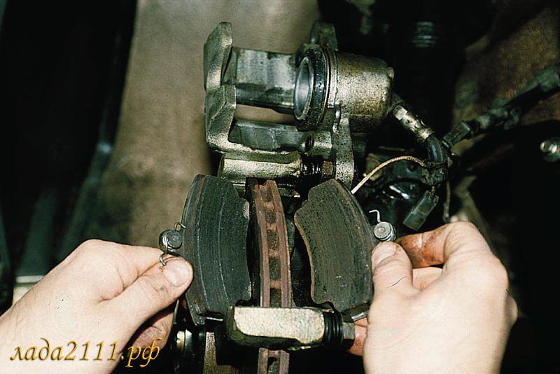 Замена передних колодок ВАЗ 2110