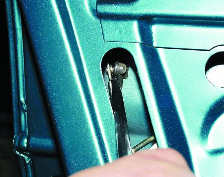 Фото №20 - механизм открывания двери ВАЗ 2110
