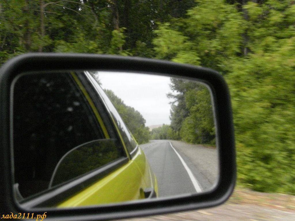 Многие автолюбители интересуются, как разобрать зеркало ваз 2110.  Иногда при езде регулировка зеркал сбивается и...