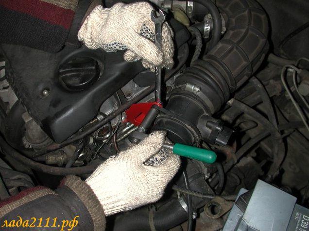 Фото №6 - как поставить воздушный фильтр на ВАЗ 2110