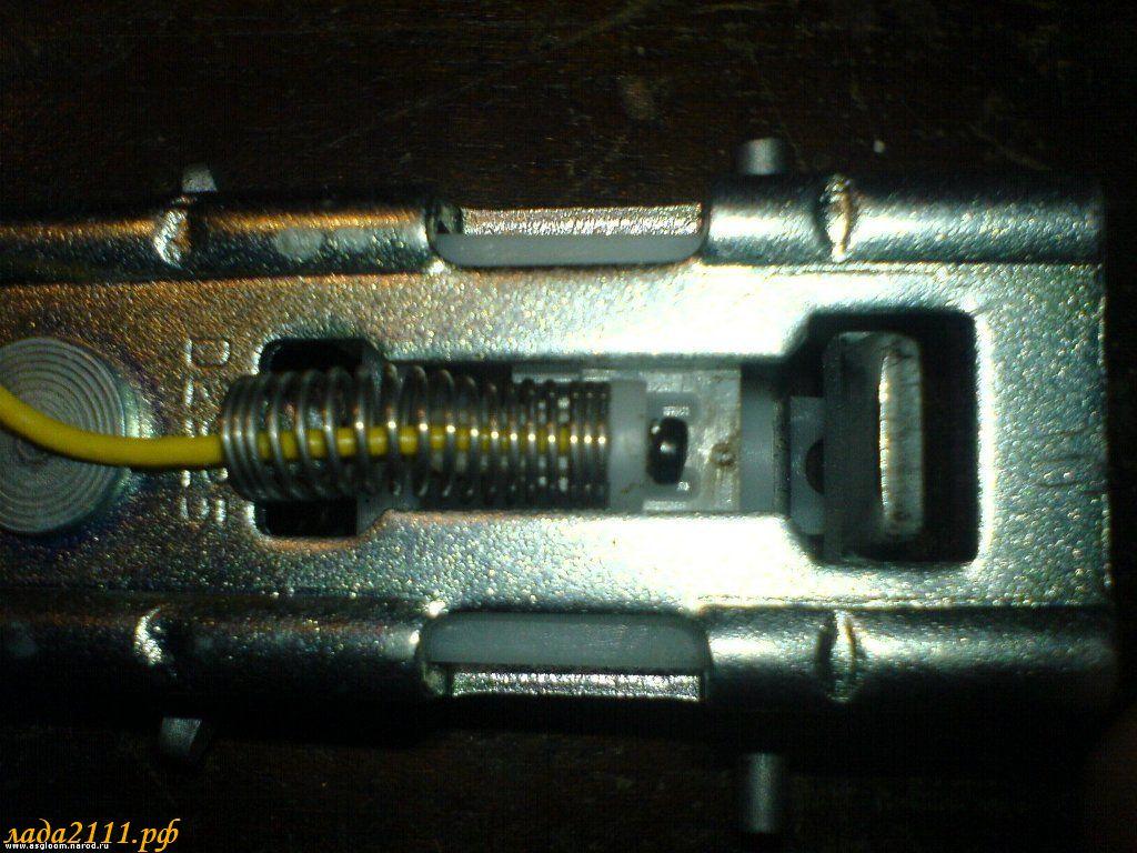 Фото №14 - датчик ремня безопасности ВАЗ 2110
