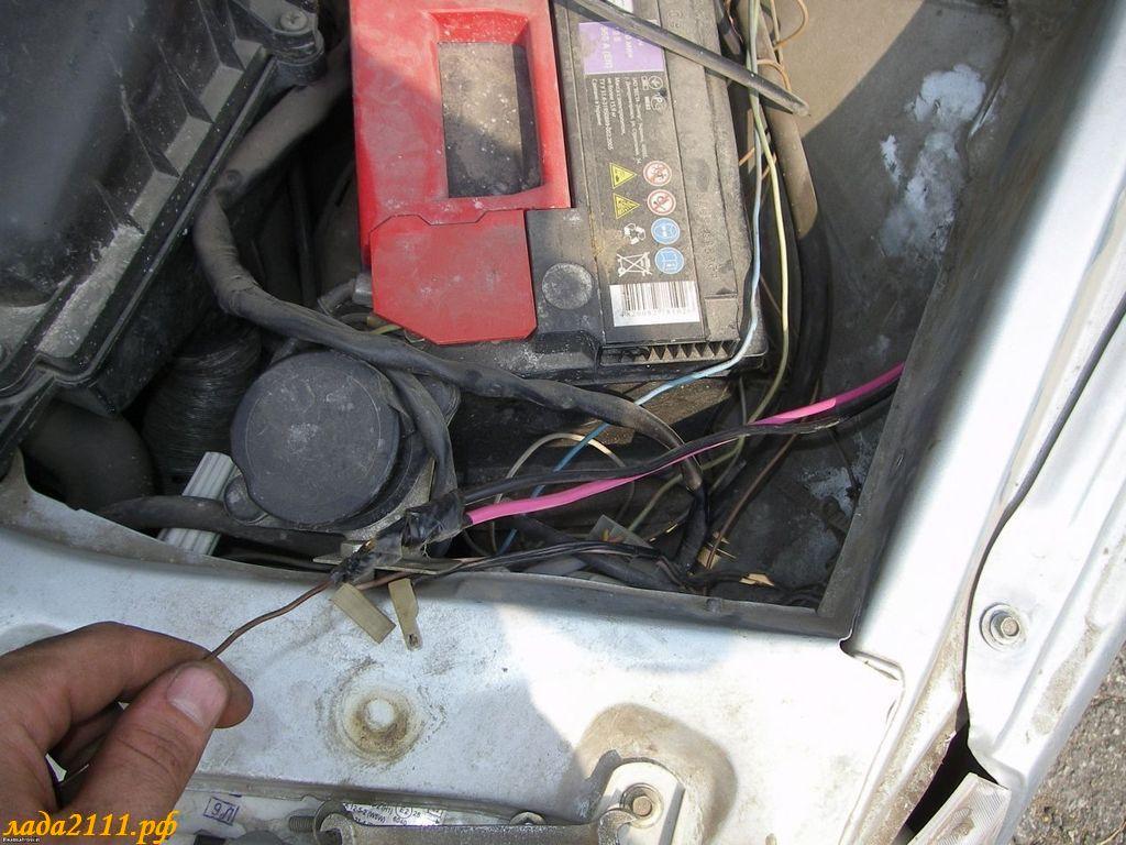 Прицепляем к. в подкапотное. и вытягиваем их. установить электроусилитель. другому концу провода. ваз. авторемонт.