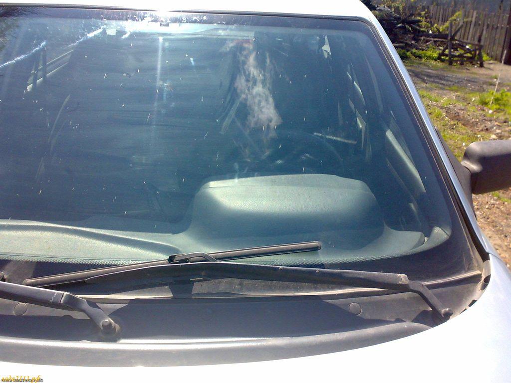 Фото №1 - размеры лобового стекла ВАЗ 2110