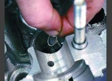 Замена маслосъемных колпачков своими руками
