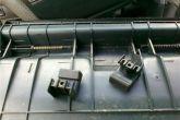 увеличиваем отверстие в кнопках бардачка ВАЗ 2110