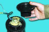 Снять опору с электродвигателя печки ВАЗ