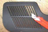 доработка пластиковой накладки для динамиков двери ВАЗ 2110